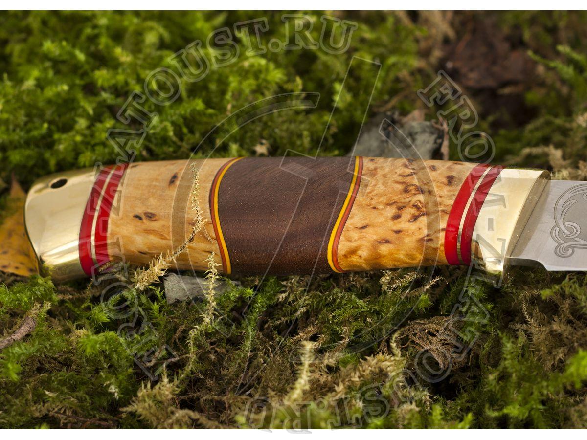 Койот. Рукоять комбинированная люкс: карельская береза, орех, фибра. Латунь. Сталь 95х18