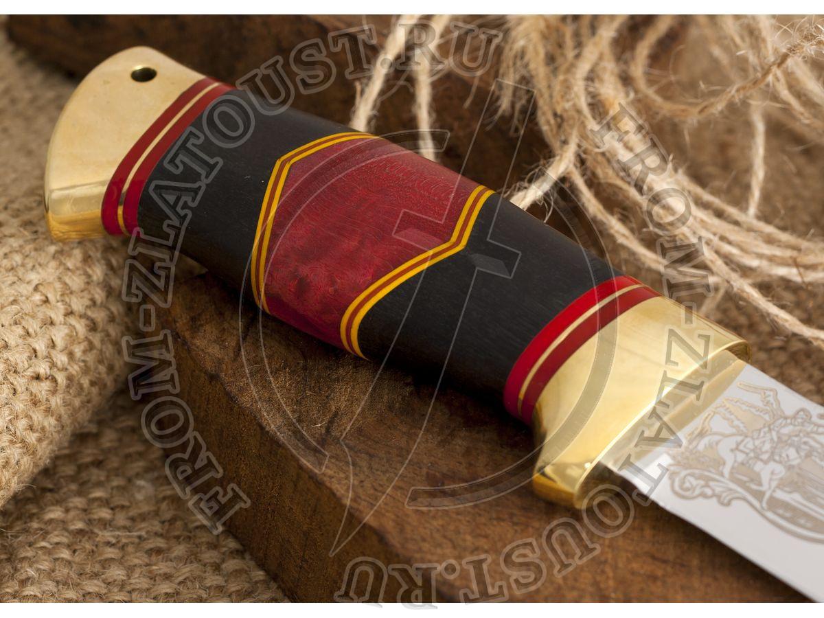 Дракула. Рукоять комбинированная люкс: стабилизированная карельская береза, граб, фибра. Латунь. Сталь 95х18