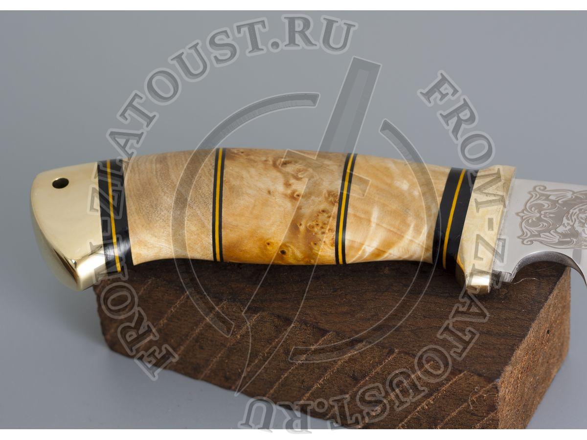 Гюрза. Рукоять комбинированная люкс: карельская береза, фибра. Латунь. Сталь 95х18