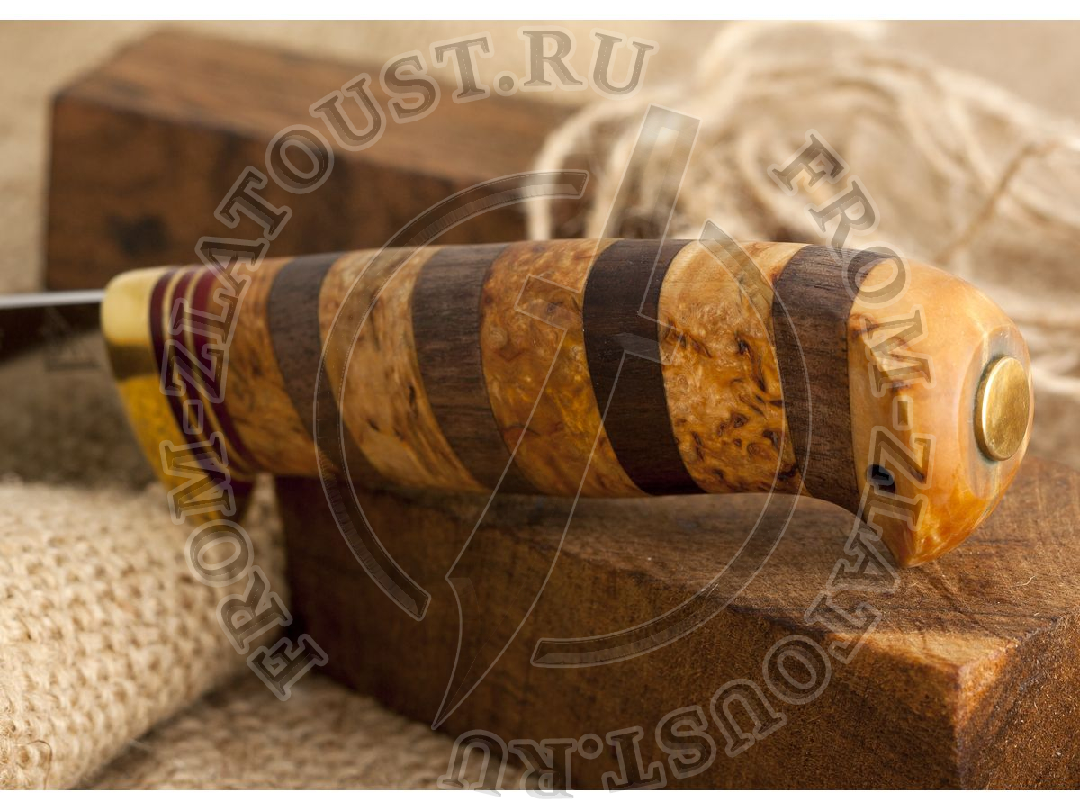 Пустельга. Рукоять комбинированная: карельская береза, орех. Латунь. Сталь 95х18