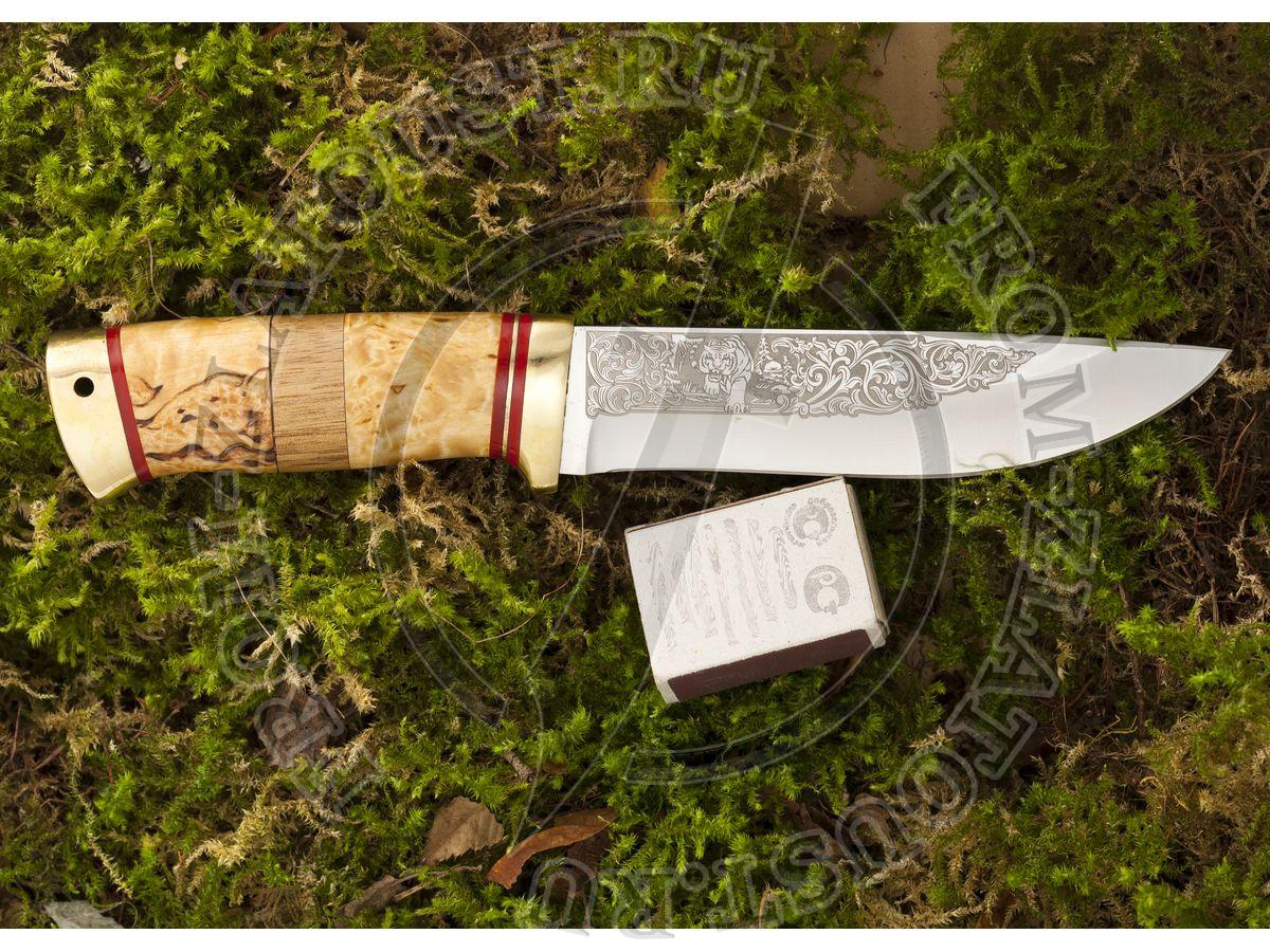 Таежный-2. Рукоять комбинированная: карельская береза, орех. Латунь. Сталь 95х18