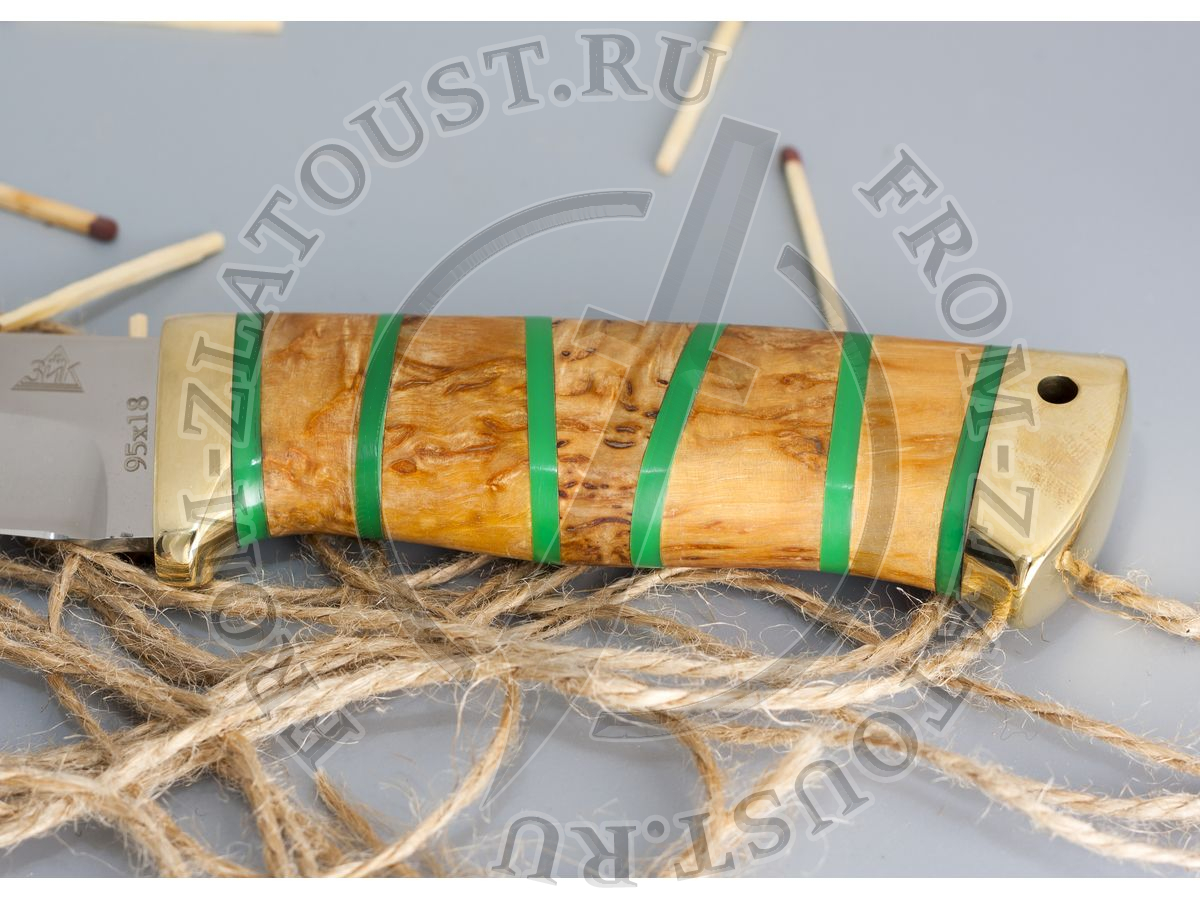 Таежный-2. Рукоять комбинированная люкс: карельская береза, оргстекло. Латунь. Сталь 95х18